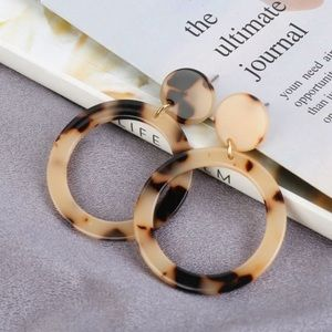 Jewelry - Geometric Acetate Earrings in Tortoise